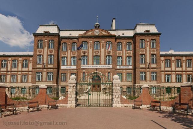 BMSZC UMSZKI (Újpesti Két Tanítási Nyelvű Műszaki Szakgimnázium és Szakközépiskola)