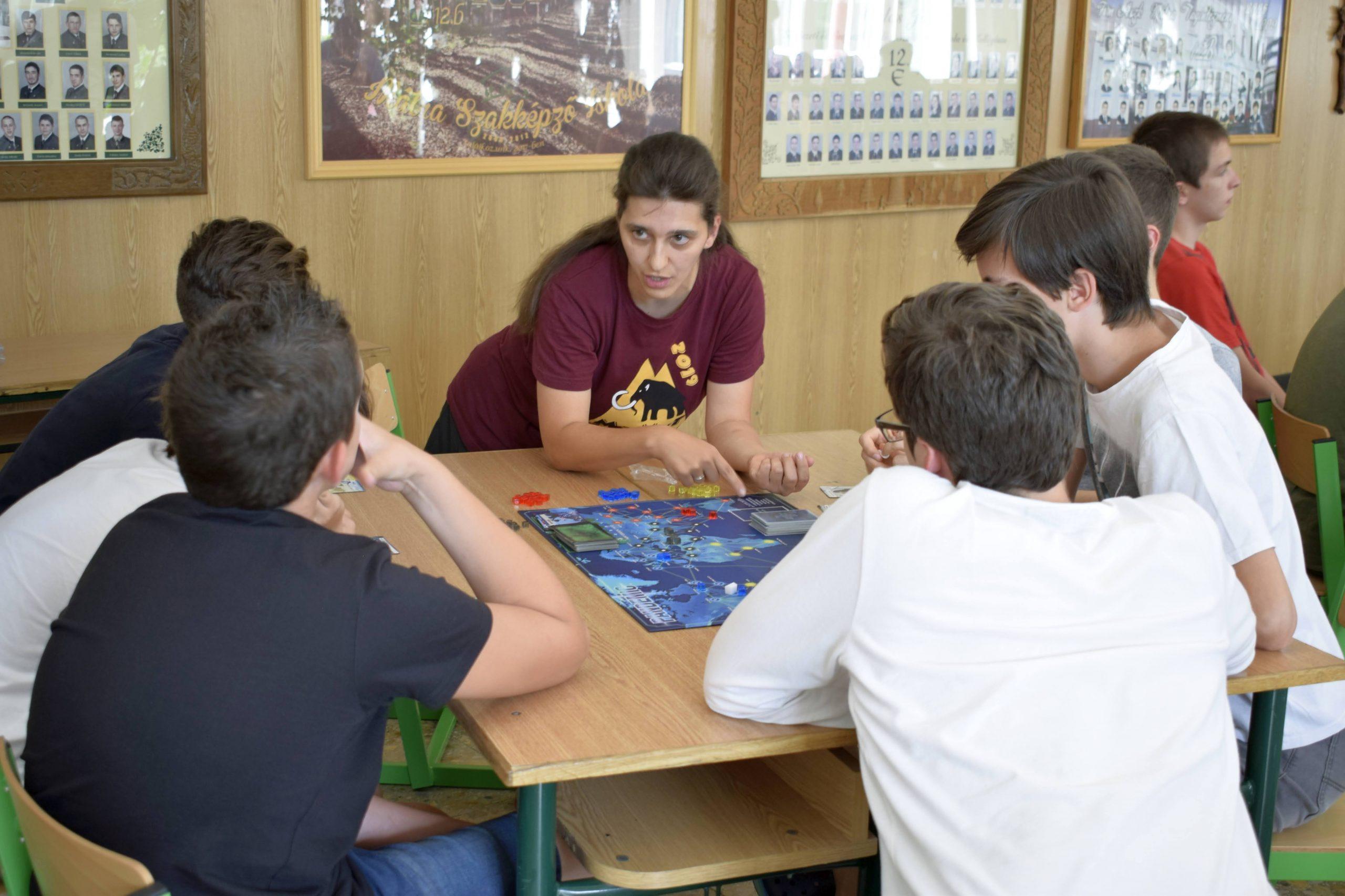 Játék tanítás közben